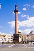 The Alexander Column at Palace Square in St. Petersburg.  — Foto Stock