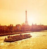 Zachód słońca w paryżu — Zdjęcie stockowe