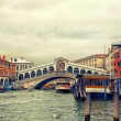 Rialto bridge on Grand canal, Venice — Stok fotoğraf