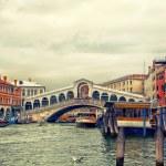 Rialto bridge on Grand canal, Venice — Stock Photo