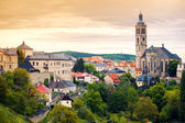 View to Saint James cathedral in Kutna Hora — Stok fotoğraf