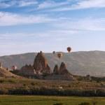 Hot air balloon flying over Cappadocia, Turkey — Stock Photo