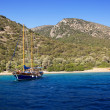 Yacht at anchor in a beautiful bay near Bodrum, Turkey — Stock Photo