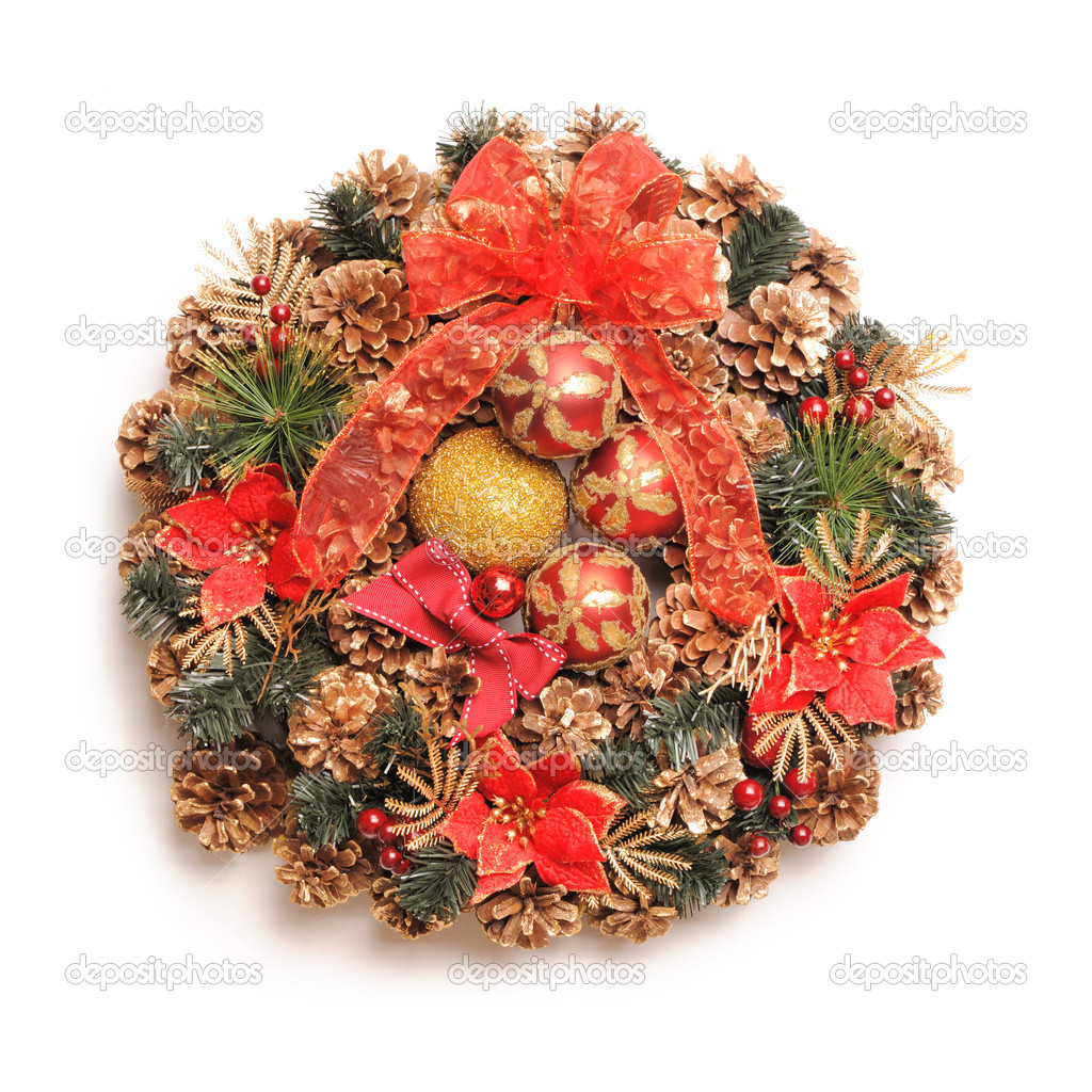 Traditional christmas wreath isolated on white — Stock Photo #13258986
