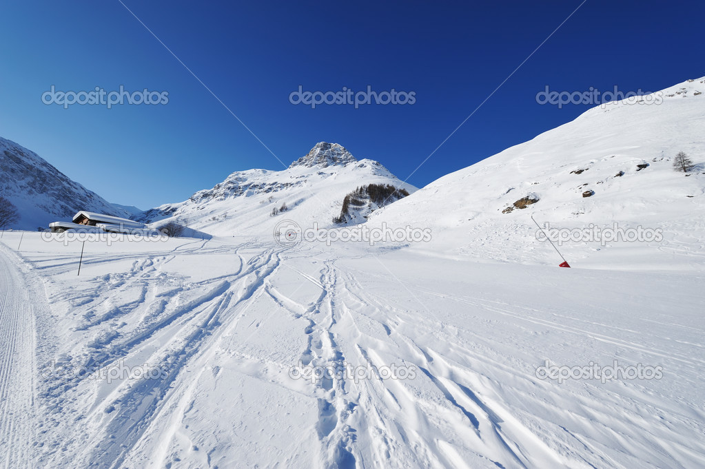 Mountains with snow in winter, Val-d'Isere, Alps, France — Stock Photo #13258993