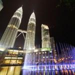 City skyline of Kuala Lumpur, Malaysia. Petronas Twin Towers. — Stock Photo #21414671