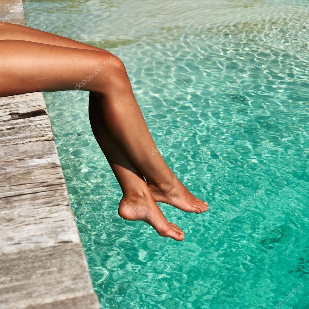 Фото ноги в бассейне 6 фотография