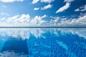 Luxury tropical swimming pool — Foto de Stock
