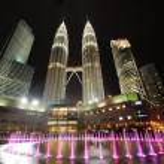 City skyline of Kuala Lumpur, Malaysia. Petronas Twin Towers. — Stock Photo #28121323