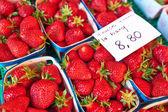 Canastas de fresas frescas — Foto de Stock