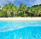 Beach with white sand — Stock Photo