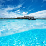 Beach with white sand bottom underwater view — Stock Photo #42911701