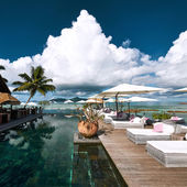 Luxury poolside jetty — Foto Stock