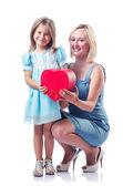 ハッピーママと白の娘 — ストック写真