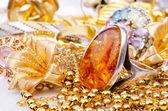 Grote verzameling van gouden sieraden — Stockfoto