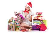 Mujer joven en concepto de compras de navidad — Foto de Stock