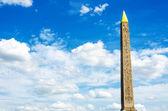 луксор памятник из египта в париже — Стоковое фото