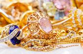 большая коллекция золотых ювелирных изделий — Стоковое фото