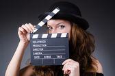 Film clapper kurulu olan kadın — Stok fotoğraf