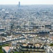 Skyline of Paris on bright summer day - 图库照片
