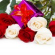 Giftbox and roses isolated — Stock Photo #2876094
