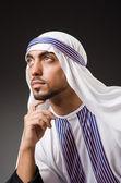Arab muž v hluboké myšlení režimu — Stock fotografie