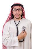 Médecin arabe avec stéthoscope sur blanc — Photo