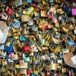 Locks of love at Paris bridge — Stockfoto