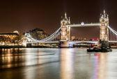 Famous Tower Bridge — Stock Photo