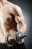 Gespierde bodybuilder — Stockfoto