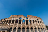 Famous colosseum on bright summer day — Stok fotoğraf