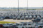 New cars parked at distribution center in Tuscany — Stock Photo