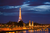 Alexander the Third bridge is popular touristic site in Paris. — Foto de Stock