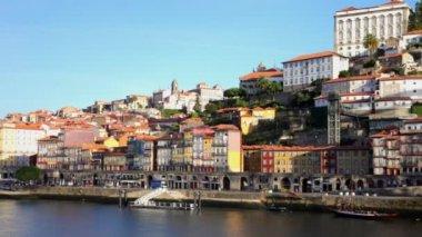Enbankment of Porto in sunny day, Portugal — Stock Video