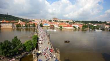 Tourists on Charles Bridge, Prague — Stock Video