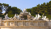 Neptune Fountain at the Schonbrunn Palace, Vienna — Stock Photo