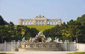 Schonbrunn Palace Gardens at Vienna      — Stock Photo