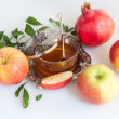 Honey with apple for Rosh Hashana — Stock Photo #12171558