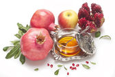 Honey,pomegranate with apple for Rosh Hashana — Stock Photo