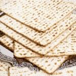 Matza bread for passover celebration — Stock Photo