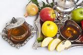 Honey with apples for Rosh Hashana — Stock Photo