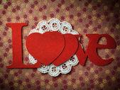 """Wakacje karty ze słowem """"miłość"""" i serce — Zdjęcie stockowe"""