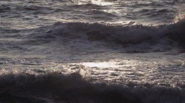 Turbulent water on a rocky coastline — Stock Video