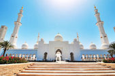 Sheikh Zayed mosque or grand mosque in Abu Dhabi — Foto de Stock