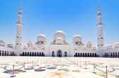 Sheikh Zayed mosque or grand mosque in Abu Dhabi — Stock Photo