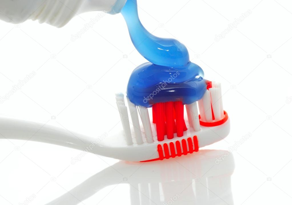 Cepillo De Dientes Con Pasta Dental