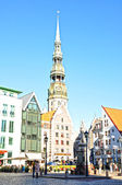 Riga, Latvia: September 7, 2013 - Saint Peters church in old city part of Riga, Latvia — Foto de Stock