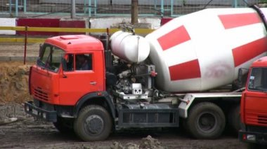 Cement-mixer — Stock Video