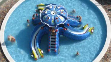 Bambini nel lasso di tempo di piscina — Video Stock
