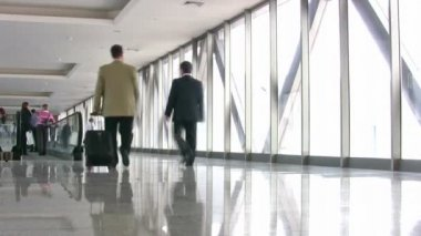 бизнес в коридоре — Стоковое видео